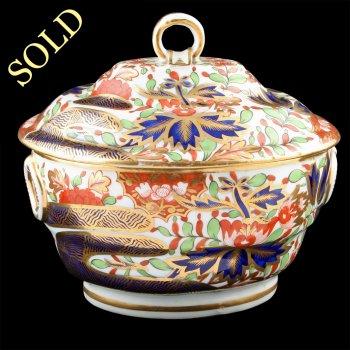 Chamberlain Porcelain Pot & Lid